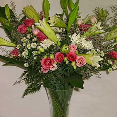זר ורוד לבן 07 - פרחי אוריינטל - אור יהודה