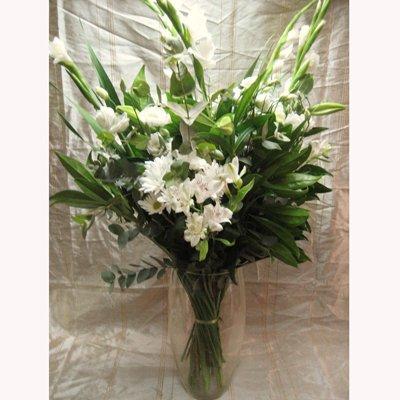 זר אלגנטי לבן - פרחי צבר - רמת השרון
