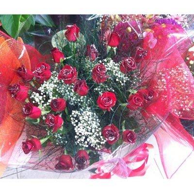 זר ורדים אדומים עם רשת - פרחי ויולט - אריאל