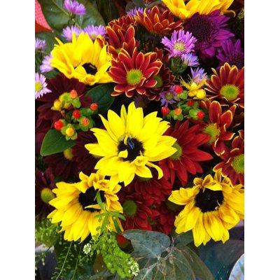 זר חמניות מעורב עם חרציות - פרחי ויולט - אריאל