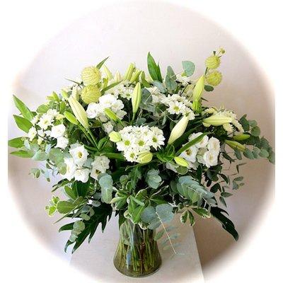 זר לבן באגרטל - אורכידאה פרחים - חדרה