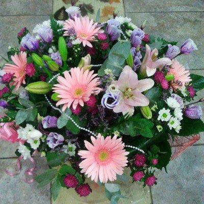 זר ליליות משולב - דבי פרחים - קרית ביאליק