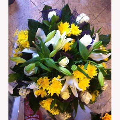 צהוב בולט - לה רוז דה פריז - ירושלים