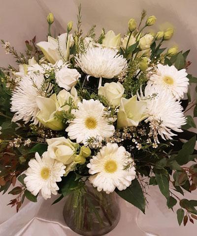 חגיגה בלבן - פרחי ונילה - ירושלים