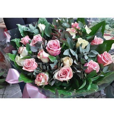 נשיקה ראשונה - פלורנס פרחים - נהריה