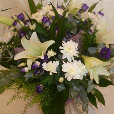סגול לבן - בר פרחים וכלים - אשקלון