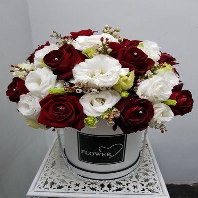 קופסת פרחים אדומה - דבי פרחים - קרית ביאליק