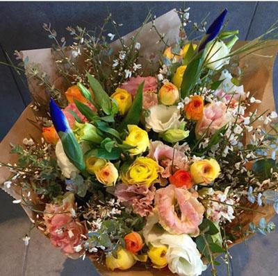 זר נוריות ודברים טובים - בשביל הפרחים - תל אביב