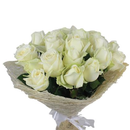 זר ורדים לבנים  - מרכז הפרחים חיפה - חיפה