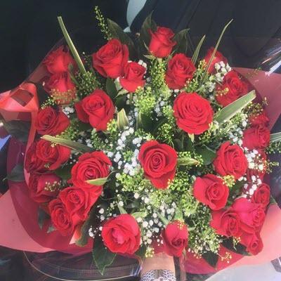 זר ורדים אדומים - פרח באהבה - אילת