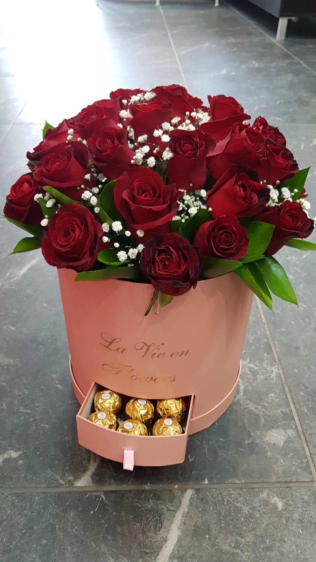 פלאוור בוקס + פררו רושה - פרח באהבה - אילת