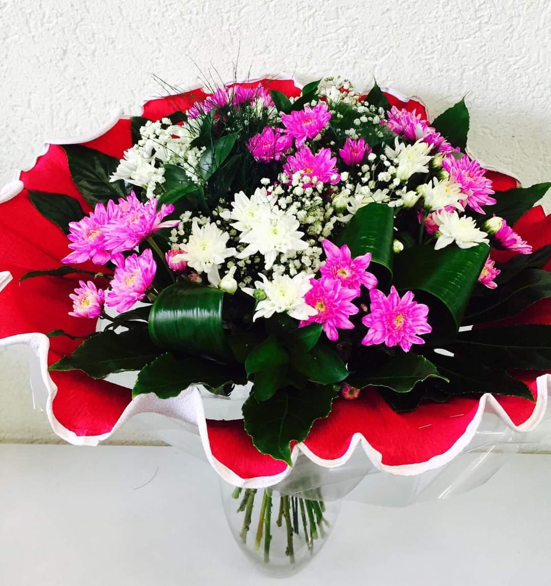 זר צבעוני ורוד לבן (5) - פרחי טוליפ - בת ים