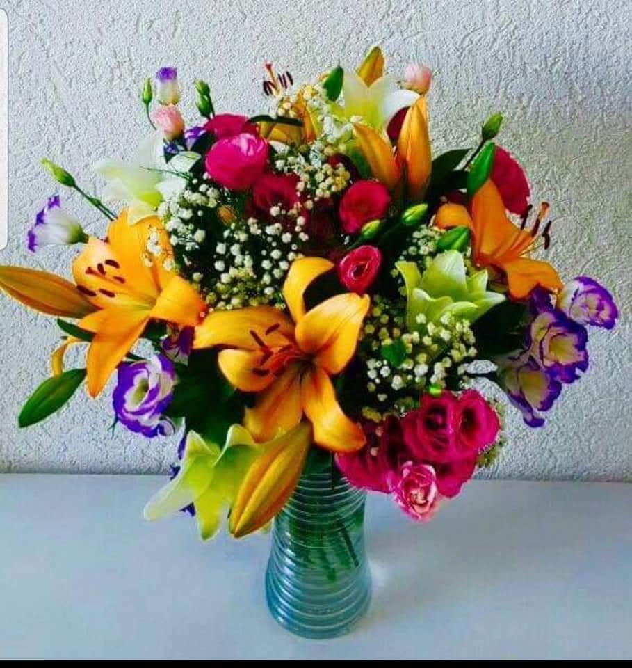 זר פרחים צבעוני (10) - פרחי טוליפ - בת ים