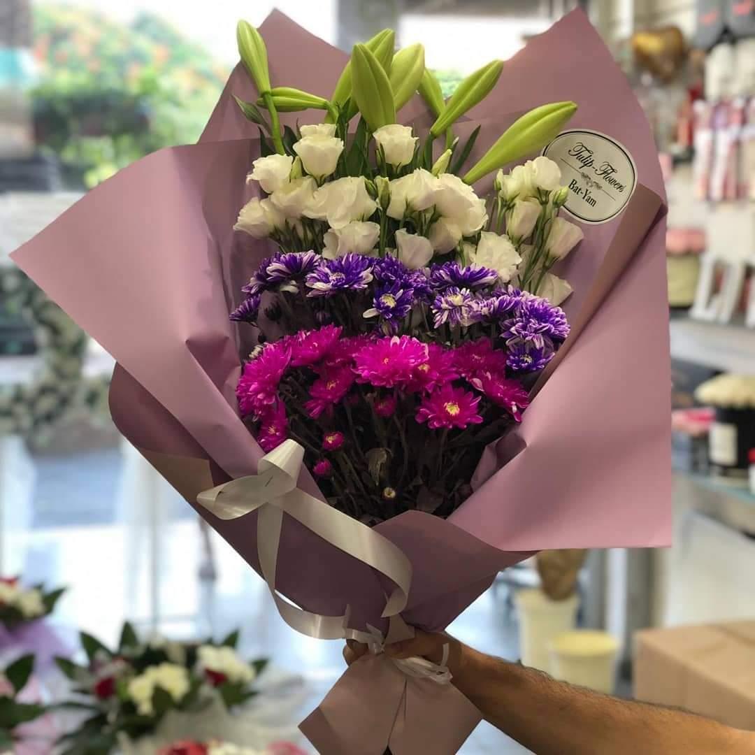 זר פרחים חזיתי (17) - פרחי טוליפ - בת ים