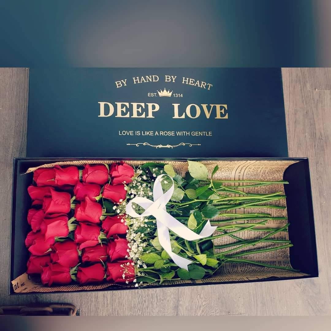 קופסת ורדים אדומים (18) - פרחי טוליפ - בת ים