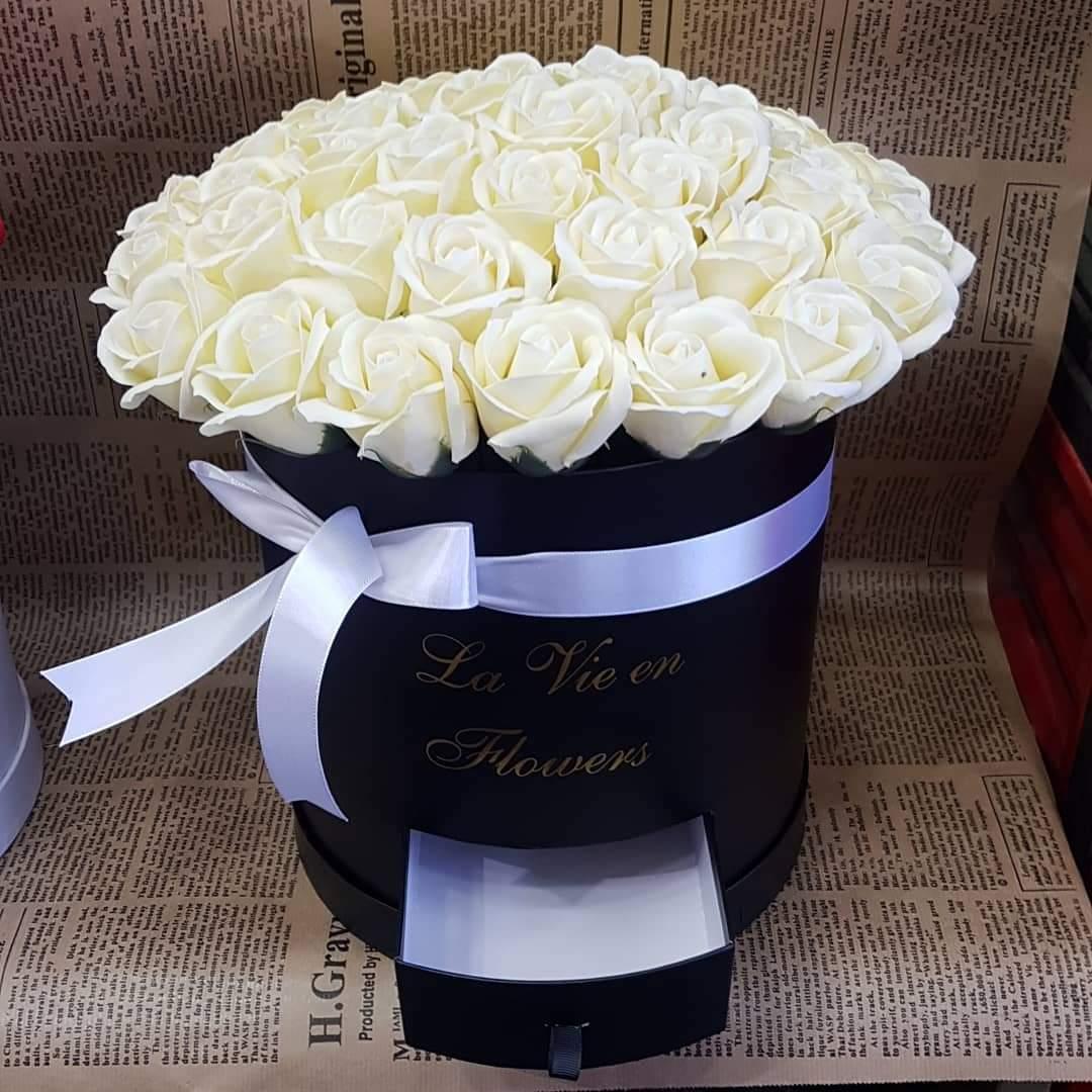 קופסת פרחים צבעונית (19) - פרחי טוליפ - בת ים