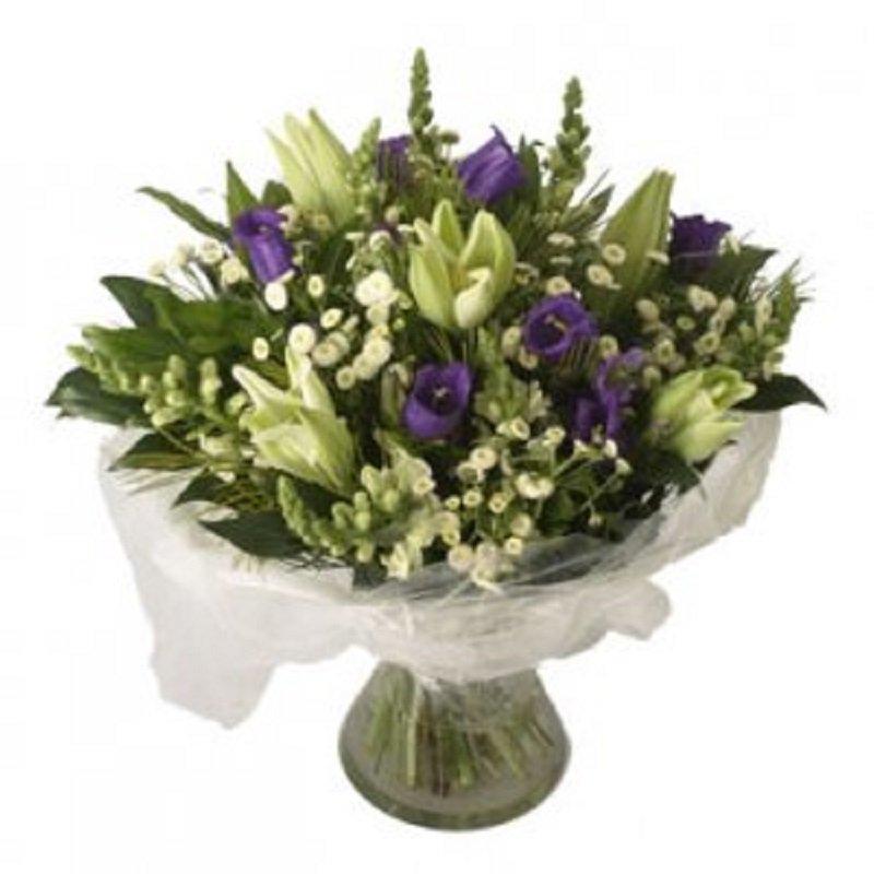 זר פרחים מחבק - פרחי הדר - מושב צור משה