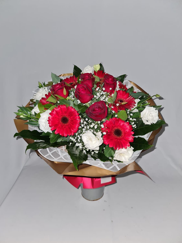 קסם באדום ולבן  - פרחי לב הגליל - טבריה