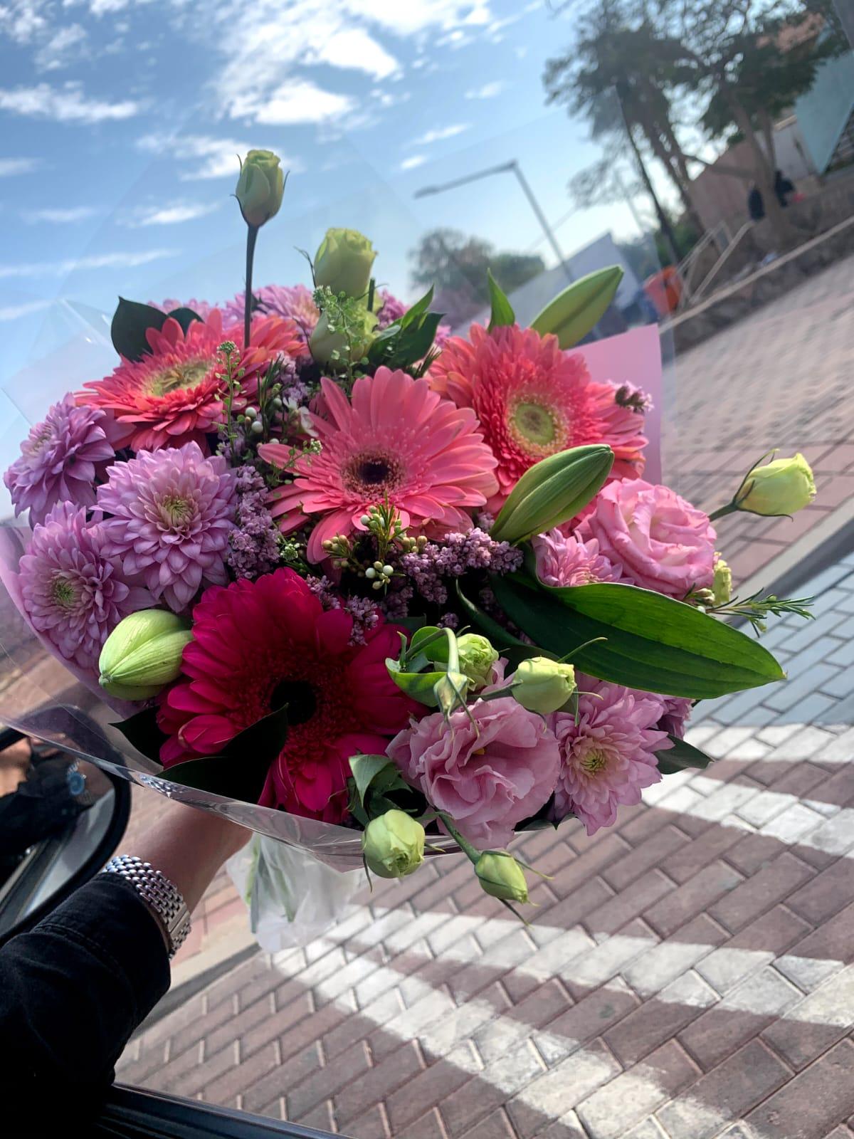 חיים ורודים - פרח באהבה - אילת