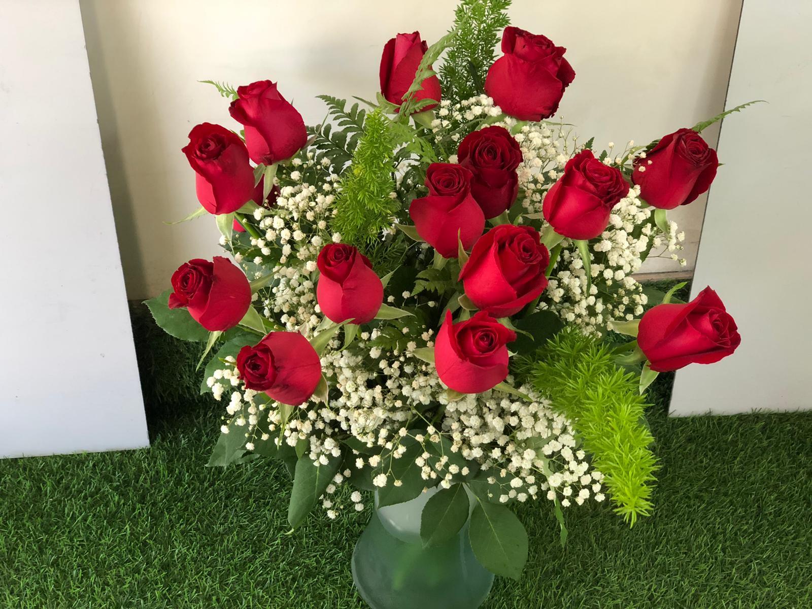 זר ורדים רומנטי - ממלכת הבלונים והפרחים - חיפה