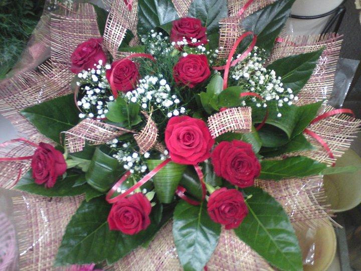 זר ורדים מעוצב  - פרחי טוליפ - בת ים