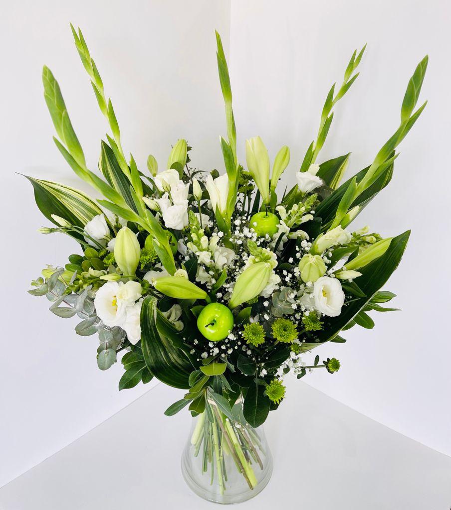 זר פרחים 12  - ויקטוריה - לוד